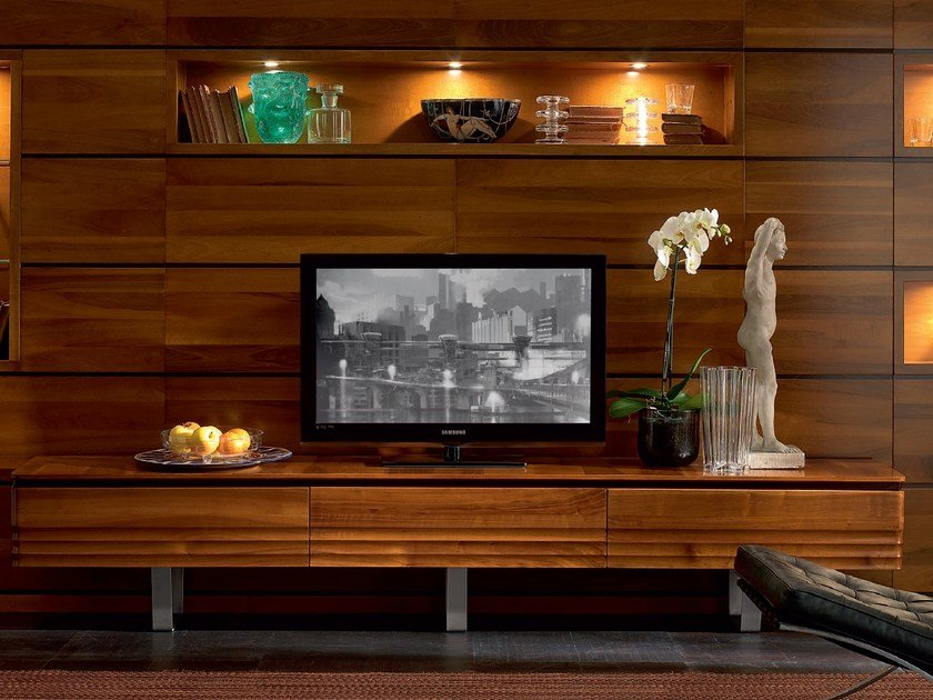 Low solid wood TV cabinet ELETTRA DAY | TV cabinet by Cantiero