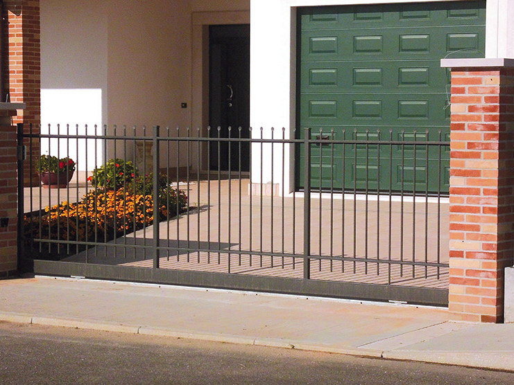 Sliding iron gate FIAMMIFERO by CMC