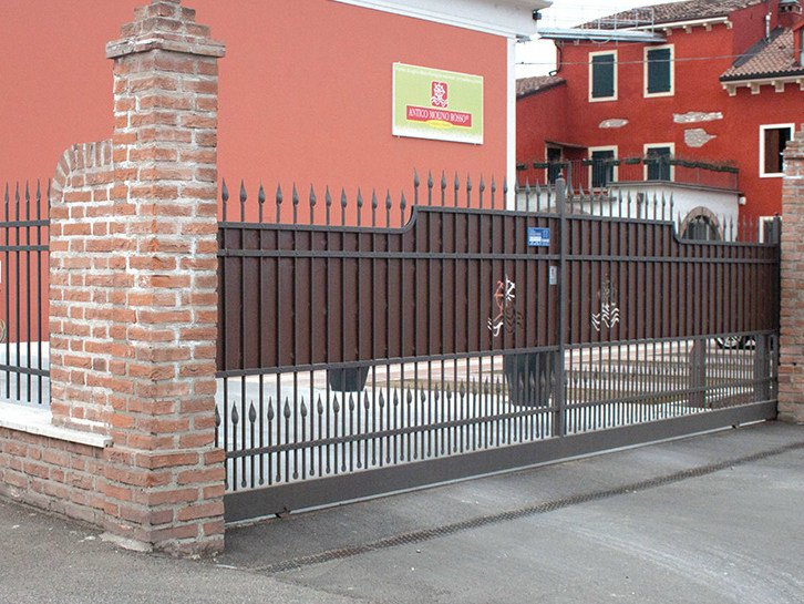 Sliding iron gate ARTIGIANALE CON TAMPONATURA by CMC