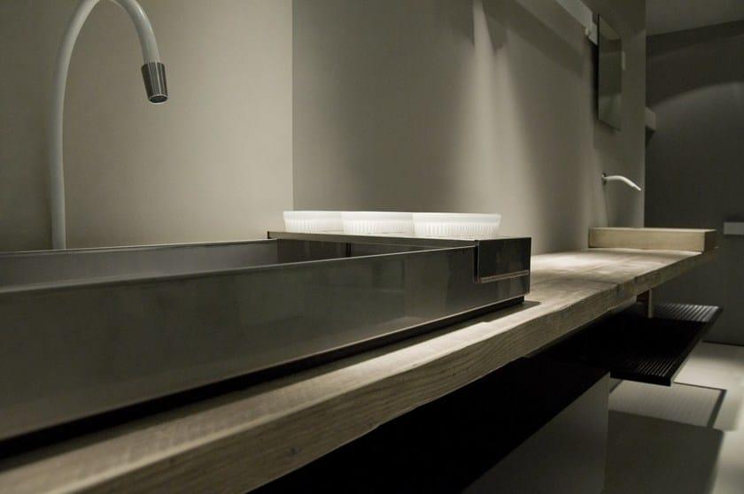 Lavabo da appoggio rettangolare in acciaio industrial line for Piani del bagno seminterrato