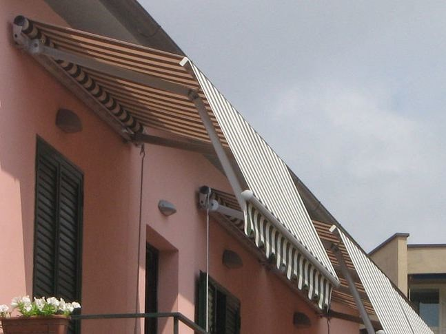 Folding arm awning GRANDANGOLO GOLD - KE Outdoor Design