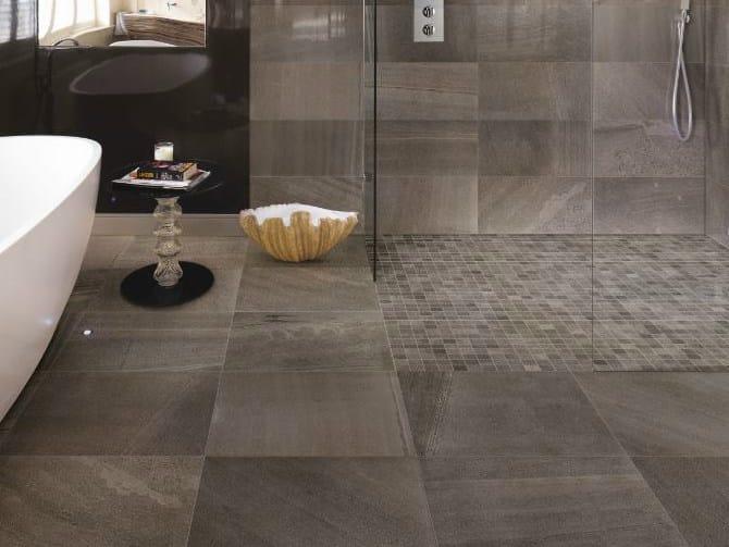 Pavimento rivestimento in gres porcellanato effetto pietra - Piastrelle grigie bagno ...