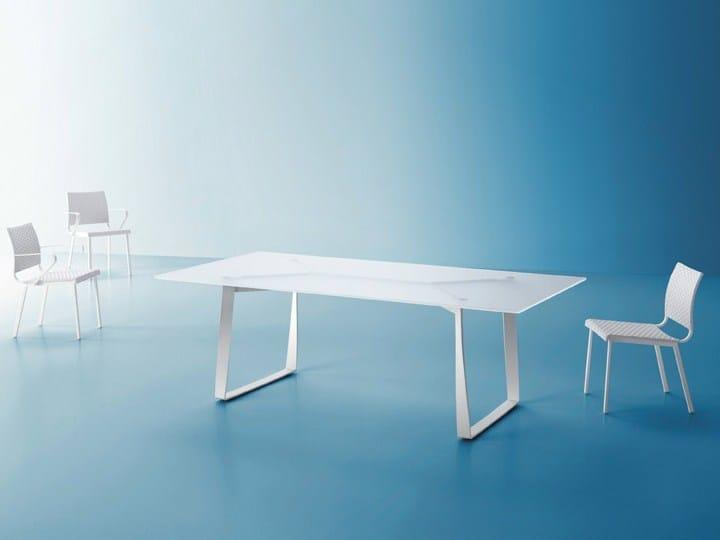 Rectangular garden table HAMPTONS GRAPHICS | Glass and steel garden table by Roberti Rattan