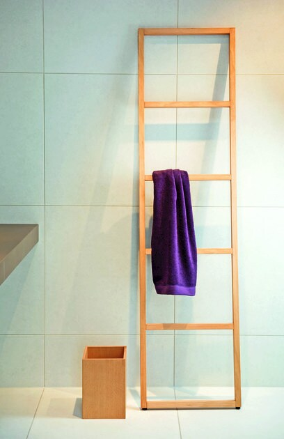 Standing wooden towel rack WO HTLE - DECOR WALTHER