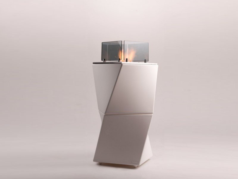 Freestanding bioethanol polyethylene fireplace TWISTY FIRE - Officine del Fuoco by British Fires