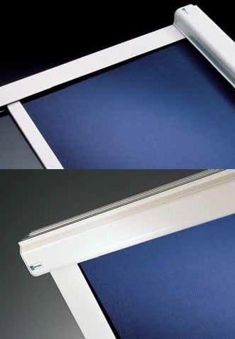 Tenda per finestre da tetto a rullo rollbox 995 mottura for Tende lucernari
