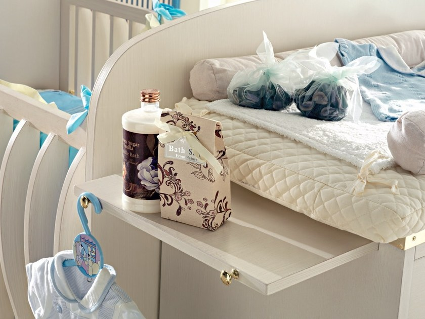 Lacquered wooden changing table 661 | Changing table - Caroti