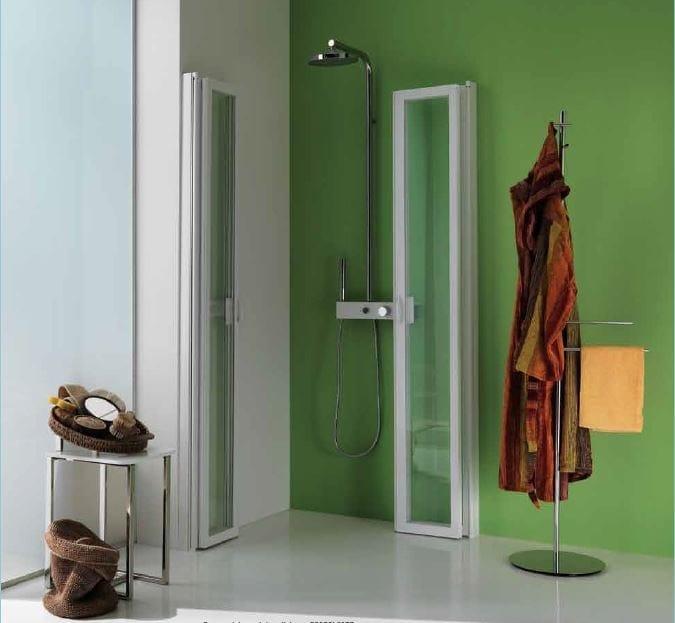 Box doccia con porte a soffietto flex box doccia samo - Soluzioni doccia finestra ...