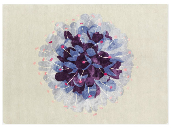 Handmade rug with floral pattern DEVIL'S BIT SCABIOUS - Deirdre Dyson