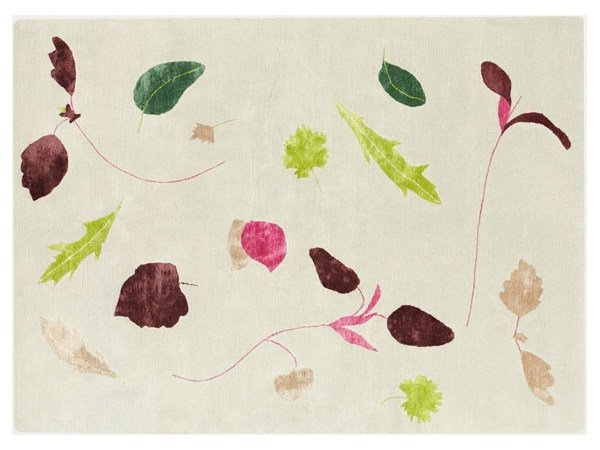 Handmade rug with floral pattern SALAD DAYS - Deirdre Dyson