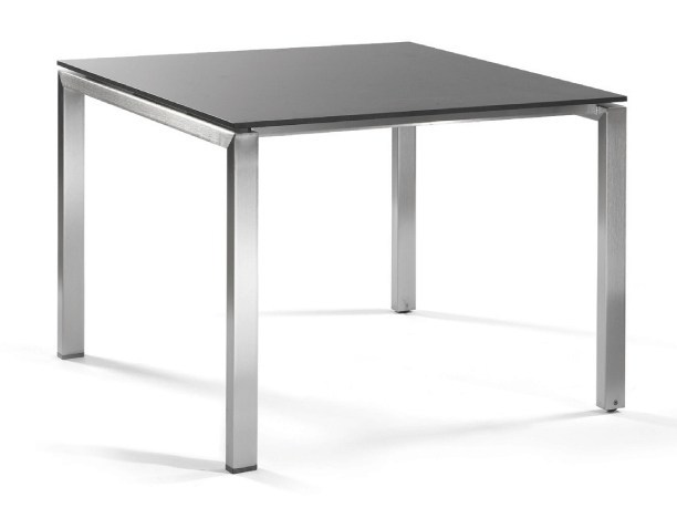 Square garden table TRENTO | Square dining table by MANUTTI