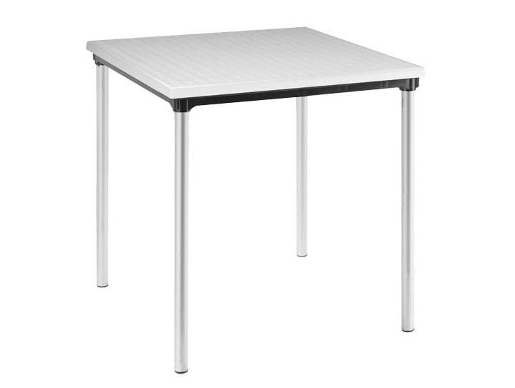 Square polypropylene garden table SOVRAPPONIBILE - SCAB DESIGN