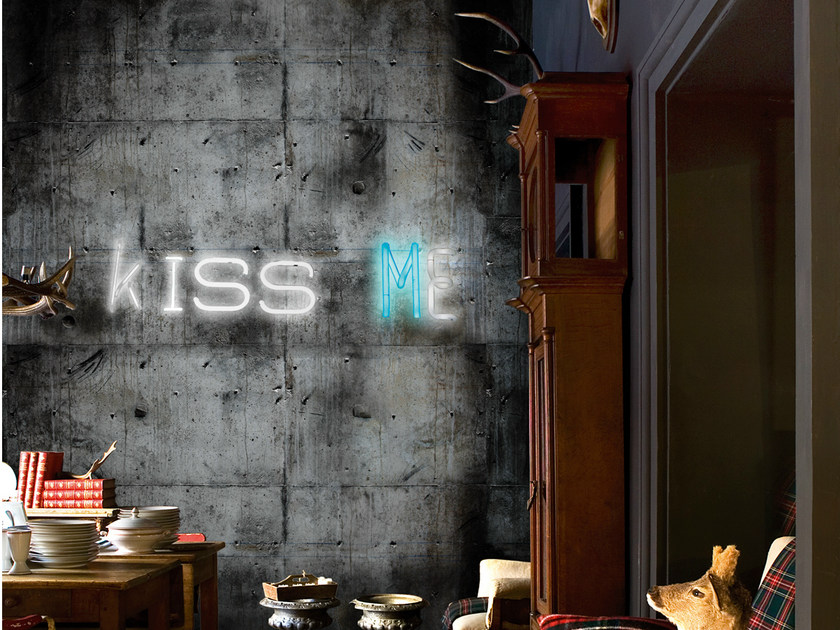 Wall effect writing wallpaper KISS ME - Wall&decò