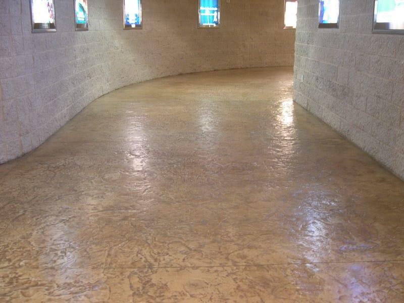 Pavimento in calcestruzzo stampato decotop overlay stone international - Stone international ...