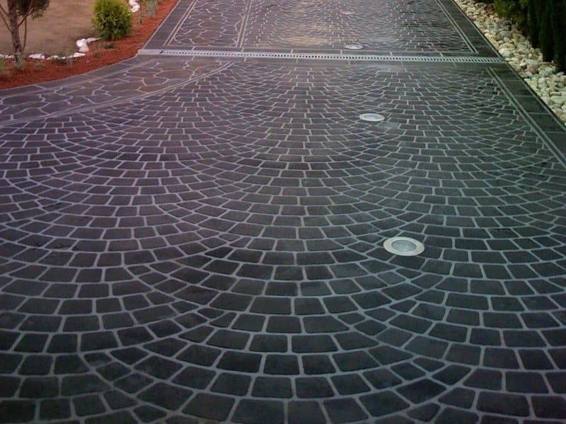 Pavimentazioni in cemento a basso spessore decotop spray for Rivestimenti metallici orizzontali
