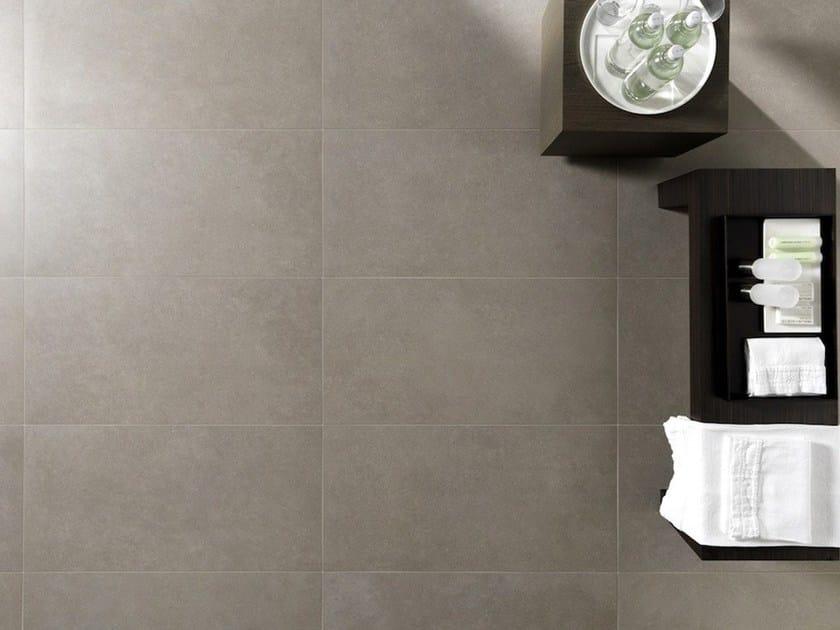 Pavimento/rivestimento in gres porcellanato effetto cemento per ...