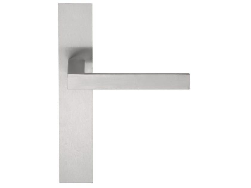 Stainless steel door handle on back plate SQUARE | Door handle on back plate - Formani Holland B.V.