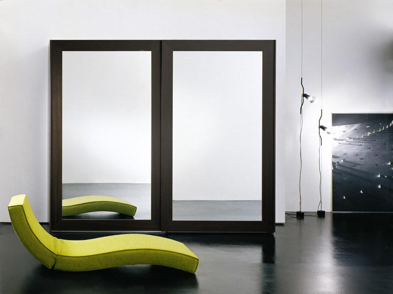 Mirrored wooden wardrobe with sliding doors PASSE-PARTOUT by EmmeBi