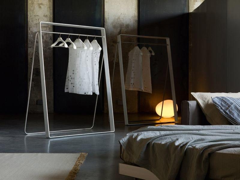 Stender clothes hanger