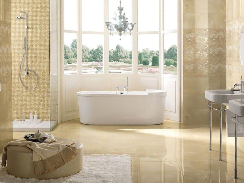 Revestimiento de pared en pasta blanca imitaci n m rmol onice d wall beige by impronta ceramiche - Piastrelle bagno eleganti ...
