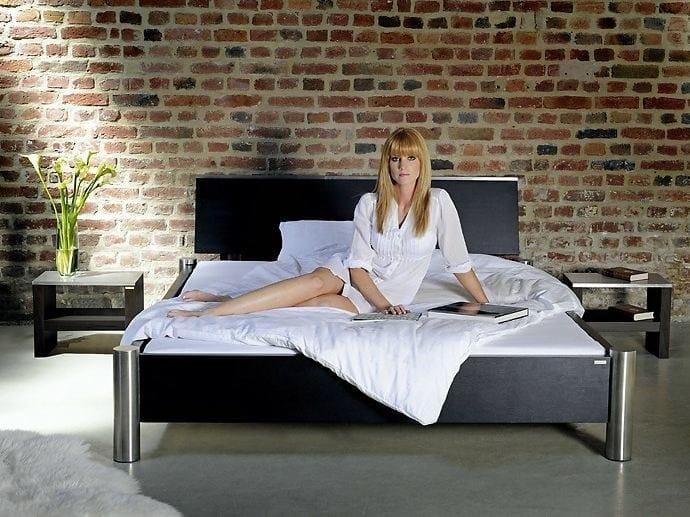 Double bed 322 | Bed by Wissmann raumobjekte