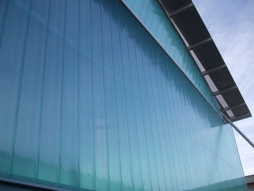 Interlocking polycarbonate system for traslucent facades ARCOPLUS®549 - dott.gallina