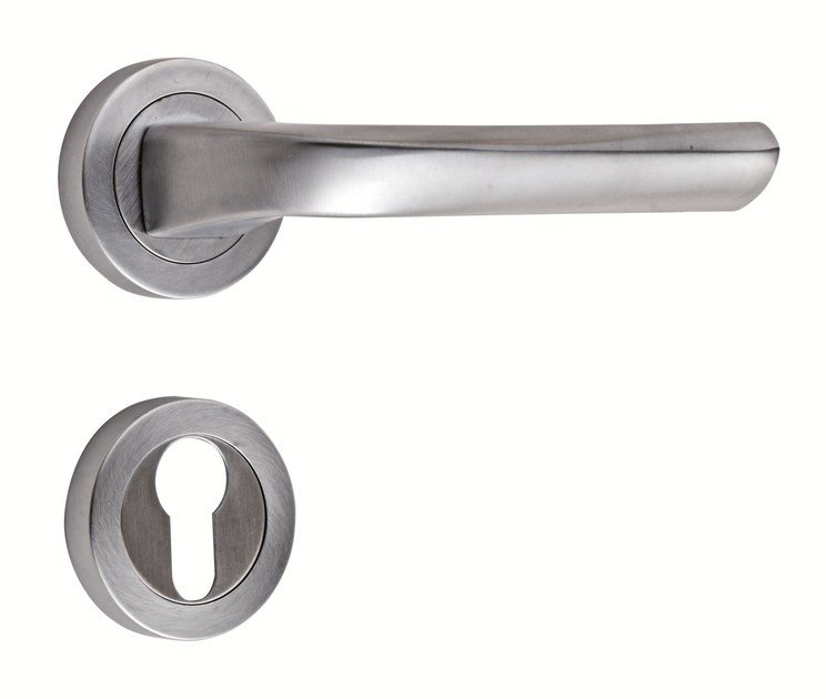 4807 - Brass door-handle