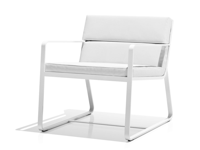 Sled base easy chair with armrests SIT | Easy chair - Bivaq