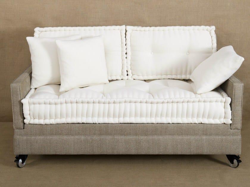divano letto imbottito in tessuto quatr 39 un by le lit national. Black Bedroom Furniture Sets. Home Design Ideas