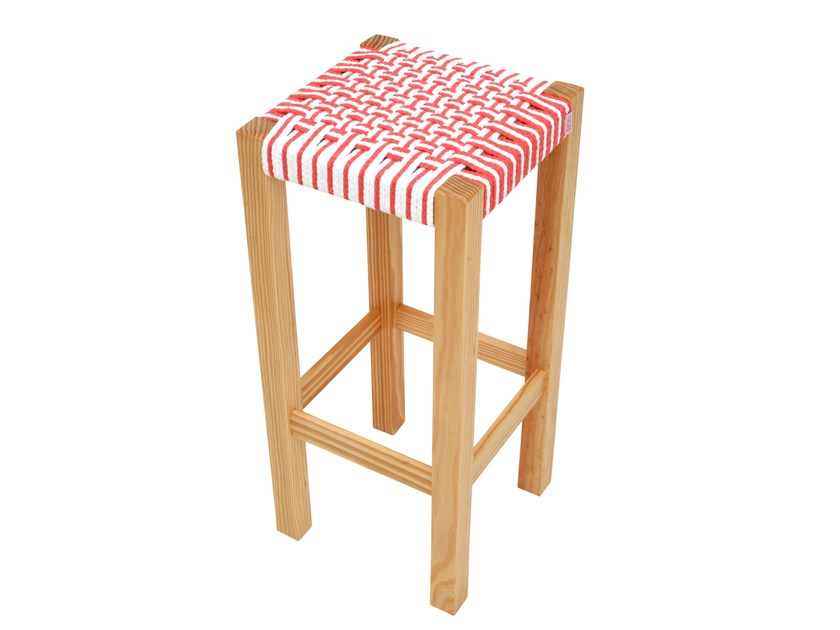High pine stool GUARANI | High stool by Darono