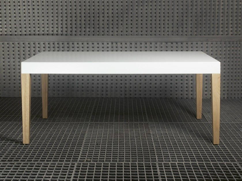 Lacquered solid wood table SAN - Branca-Lisboa