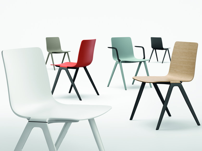 plastic chair with armrests a chair chair with armrests by brunner design jehs laub. Black Bedroom Furniture Sets. Home Design Ideas