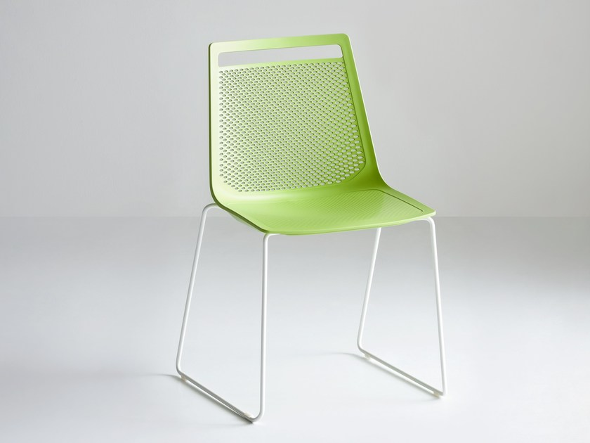 Sled base chair AKAMI S by GABER