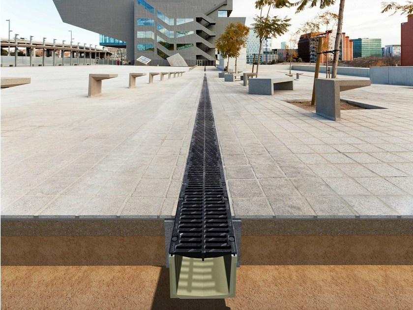 Drainage channel and part F250MF by Ulma Architectural