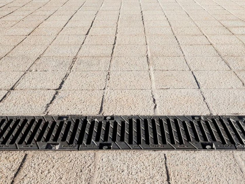Walkable Grille SLOT GRATING by Ulma Architectural