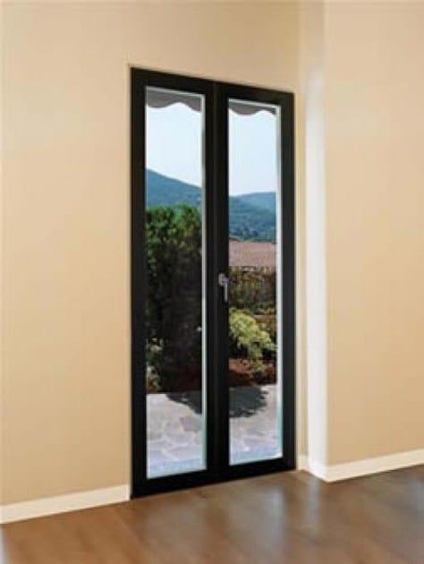 Porta finestra a battente in legno e vetro con triplo - Porta finestra doppio vetro ...