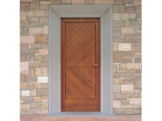 Exterior spruce entry door Spruce entry door - CARMINATI SERRAMENTI