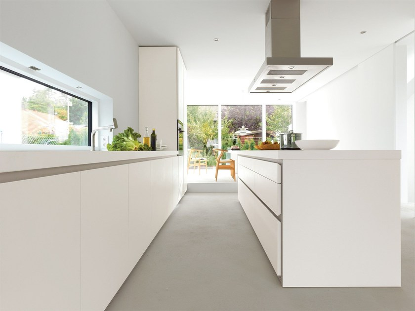 Linear fitted kitchen B1 | Kitchen with island by Bulthaup