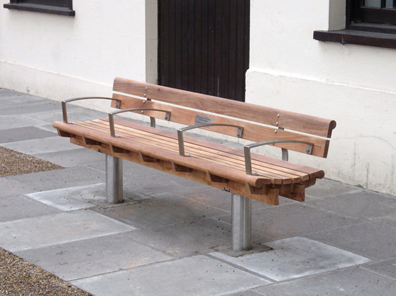Wooden Bench with armrests SCROLL | Bench with armrests - Factory Street Furniture