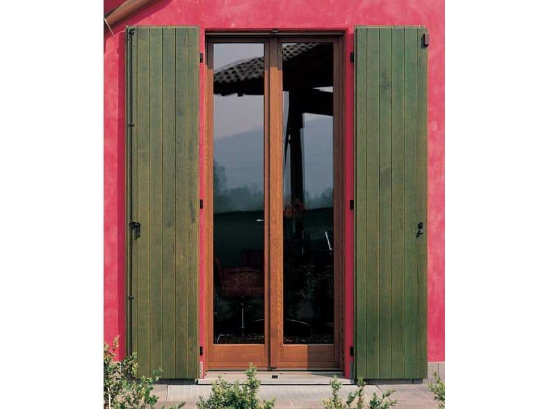 Oak panel shutter Oak panel shutter - CARMINATI SERRAMENTI