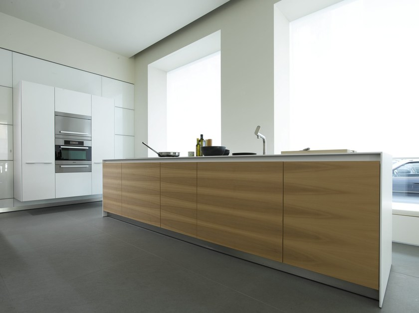 Laminate fitted kitchen with island B3 | Wood veneer kitchen - Bulthaup