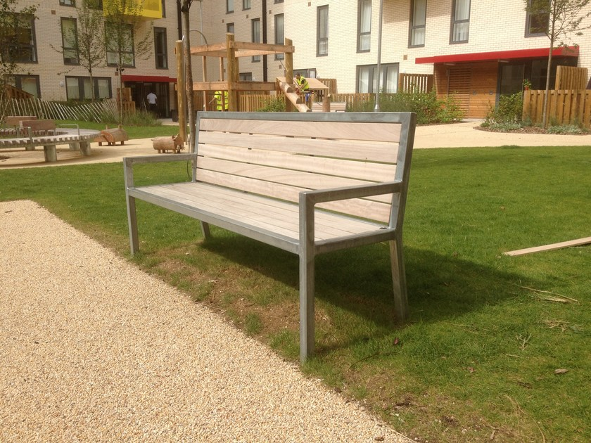 Steel and wood Bench with armrests UTIL | Bench with armrests by Factory Furniture