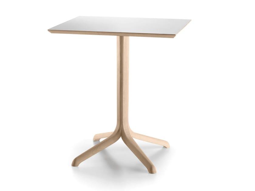 Square oak table with 4-star base JANTZI | Square table - ALKI