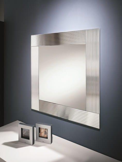 Specchio a parete con cornice flute riflessi - Riflessi specchi prezzi ...