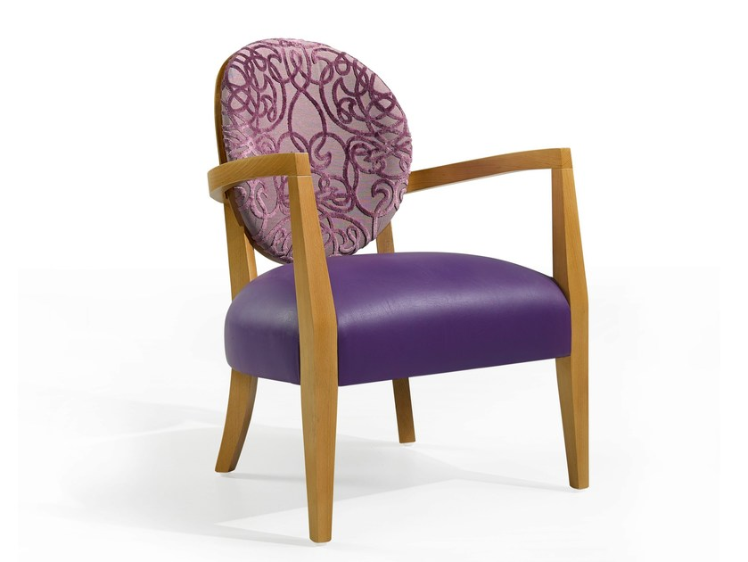 Medallion easy chair with armrests MASS 12 - Fenabel - The heart of seating