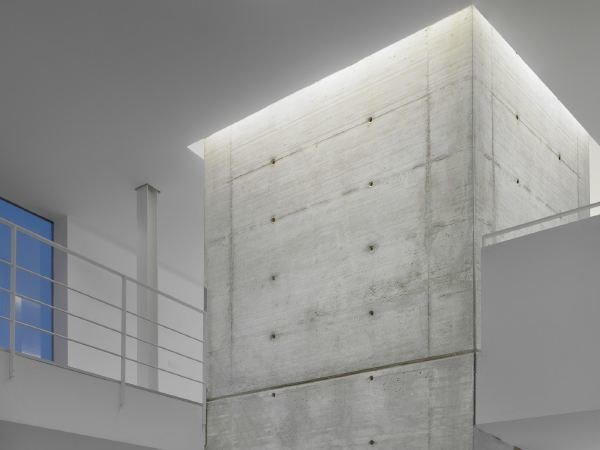 Linear lighting profile for LED modules SOFT LED CURTAIN RECESSED by FLOS