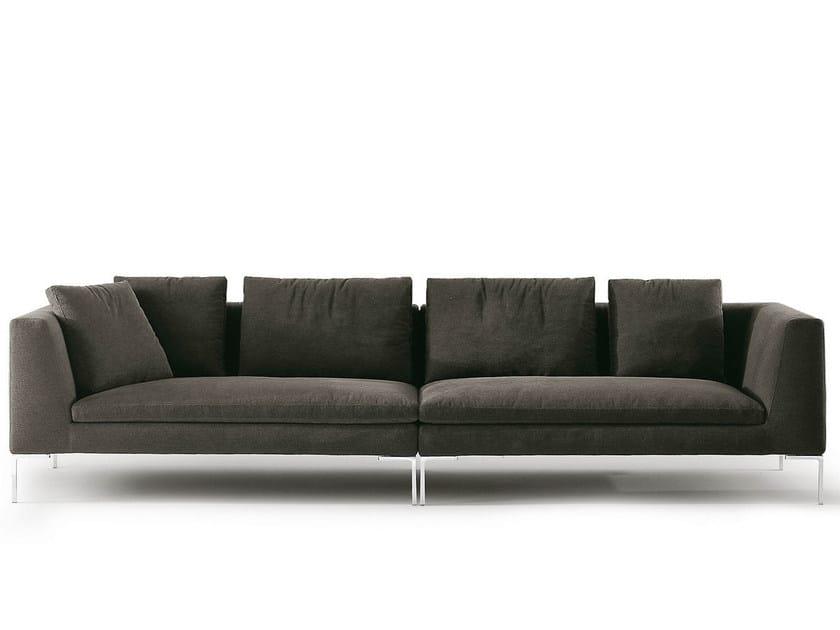 Divano in tessuto a 4 posti charles divano b b italia for Divano quattro posti