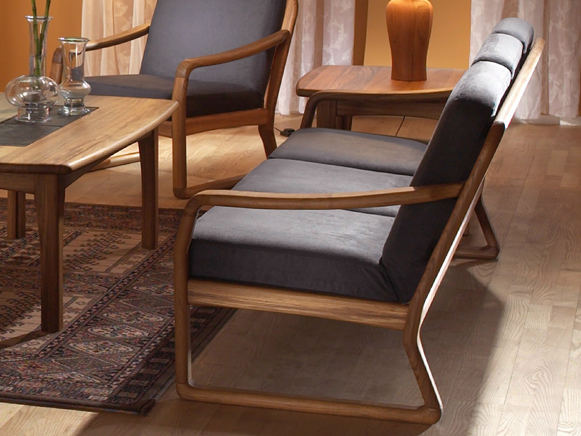 3 seater wooden sofa 1220 | 3 seater sofa - Dyrlund