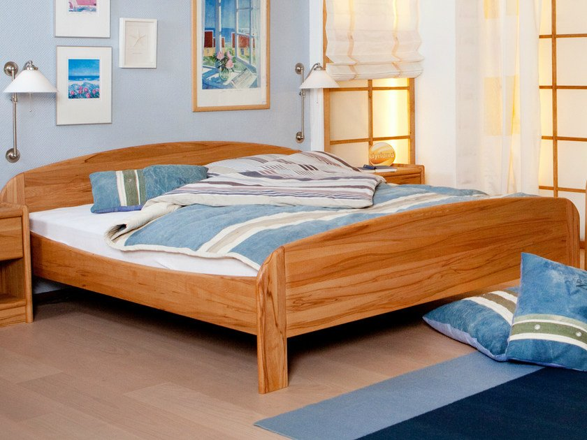 Wooden double bed 1335E | Bed - Dyrlund