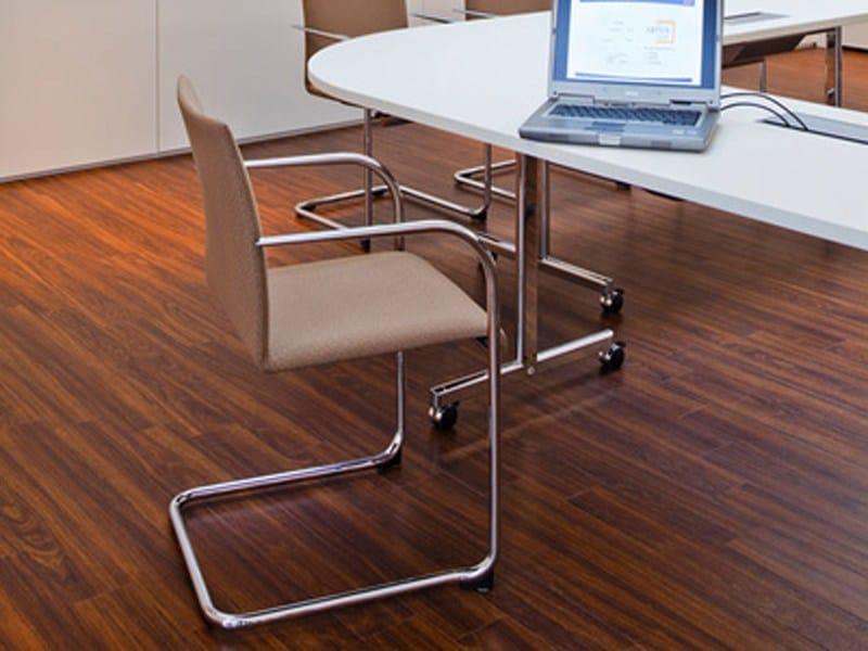 Sedia a sbalzo imbottita con braccioli verona sedia for Sedie design verona